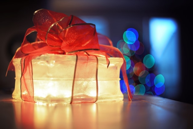 Why receiving a parcel should be like getting a Present?